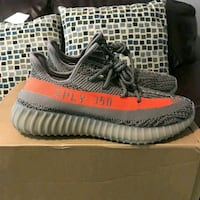 pair of gray Adidas Yeezy Boost 350 V2 with box 39 km