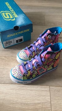 Sketchers Kids Shoes S12 Laval, H7N 3V2