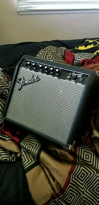 Small guitar amp with power cable Riverside, 92506