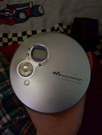 Sony CD Walkman Kingston, K7K 5V2