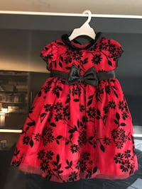 Girls holiday dress size 2T Cambridge, N3C 2P4