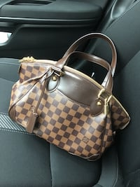 Authentic Louis Vuitton handbag  Milford, 45150