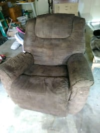 Nice lane recliner Brandon, 39042