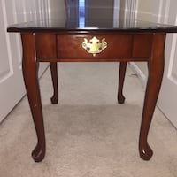 Antique Brown Side Table  Woodbridge, 22191
