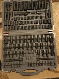 black and gray socket wrench set 1960 km