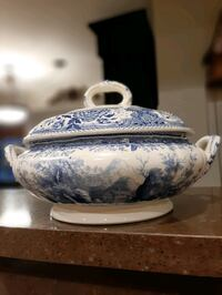 Casserole dish  covered, Villeroy and Boch Bergenland  Woodbridge, 22192