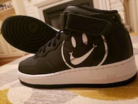 Air Force 1 mens size 9 Mississauga, L5E 1C4