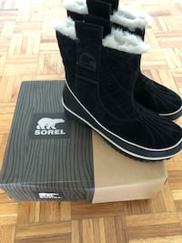 New Women's Sorel Winter Boots (Size 9)