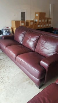 Dark Red leather couch and love seat Carrollton, 75010