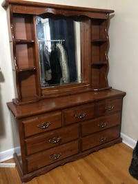 dresser with mirror, chest of drawers headboard, 2 night tables 714 km