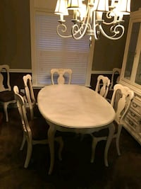 Dining table and Hutch Hendersonville, 37075