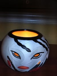 Candle holder by: partylite