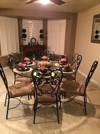 Round clear glass top dining table with black steel frame set  must sell make offer! Fresno, 93720