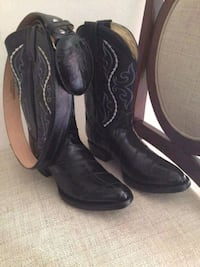 pair of black leather cowboy boots Houma, 70363