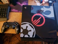 Ps4 Pro Star Wars Edition with star wars controller and DaysGone Toronto, M9V 3N8