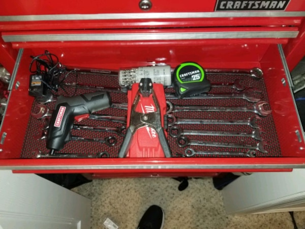 Craftman tool box with tools 5
