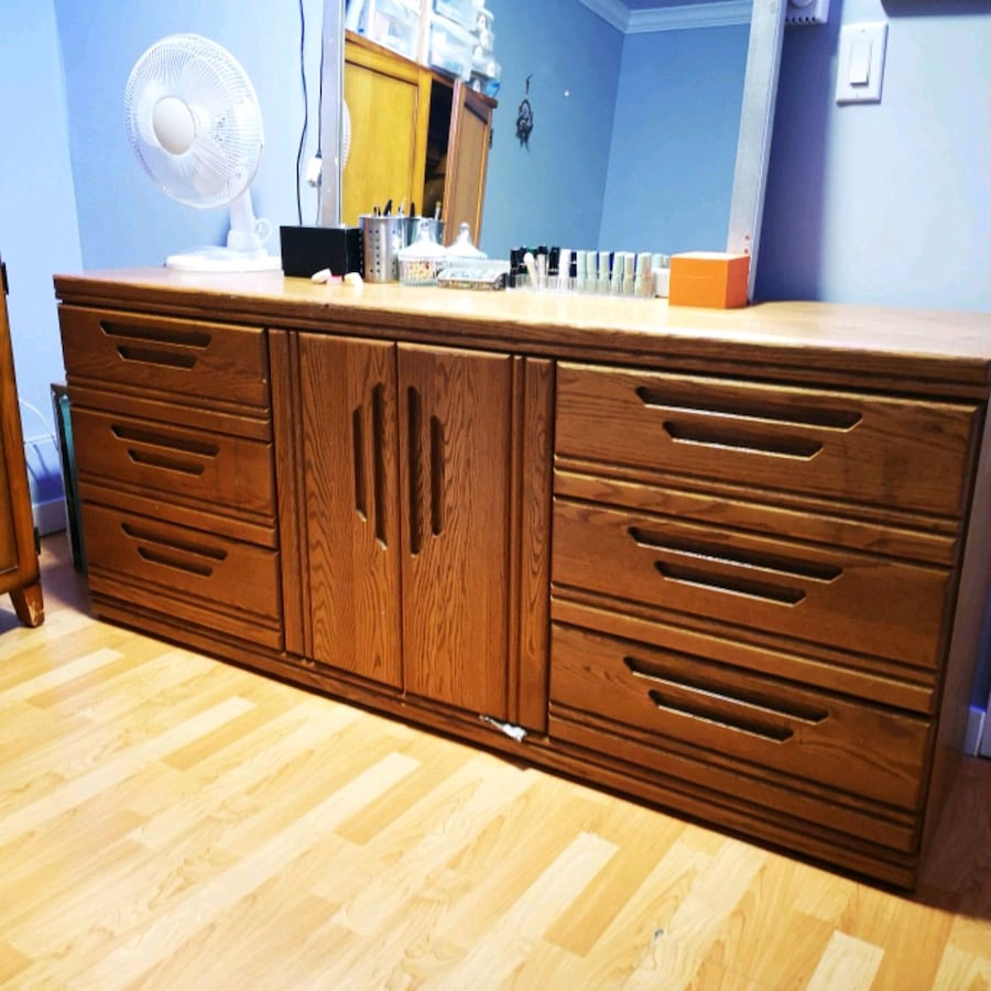 Oak solid wood dresser and night stand