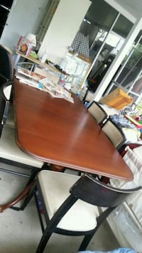 Dinning table and chairs 6 Greenacres, 33463