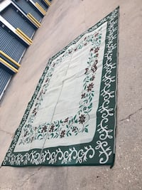 Outdoor rug in excellent condition