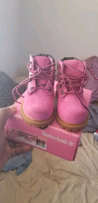 Susan komen timberland boots breast cancer awareness  Marlow Heights, 20748