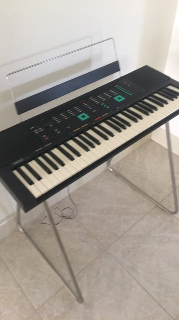 Black and white electronic keyboard original cost $1800.00 great buy a5a91268-d121-497d-9cca-e49aab722875