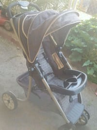 black and gray jogging stroller Hemet, 92543