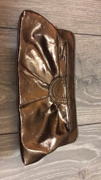 brown leather zip-around wallet Vancouver, V5Z 3B4