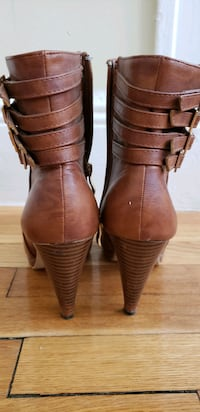 tan brown boots