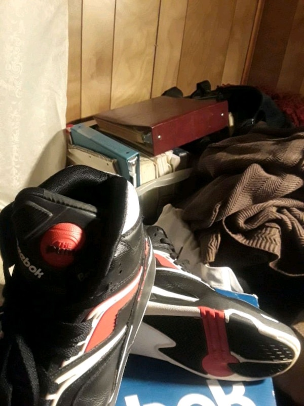 black-and-red Air Jordan basketball shoes. HomeOther used items in Georgia  Other used items in Atlanta 1744a73da18c5