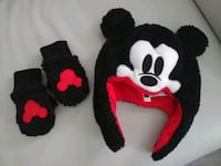 Mickey Mouse Hat & Gloves Set Vaughan, L4K 5W4