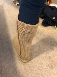 Tan crotchet UGG size 10