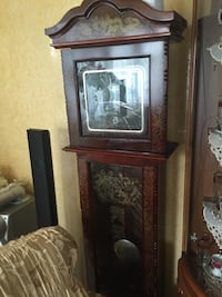 Brown wooden framed grandfather clock Landskrona, 261 52