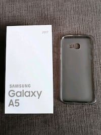Samsung Galaxy A5 - Never used with box & case   Coquitlam