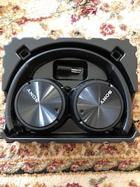 Sony noise cancelling headphones New Westminster, V3M 1M4
