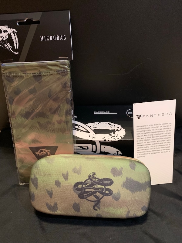 Glasses case and sleeve