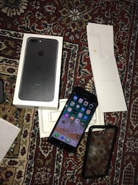 Black iPhone 7 Plus 32 GB with box and all accessories