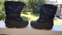 Boys winter boots size 11 Pitt Meadows, V3Y 1S3