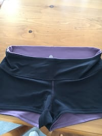 LuluLemon Reversible Shorts. Size 10. Dot Confirmed. Excellent Condition.  Cochrane, T4C 1K6