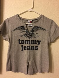 gray and black Tommy Jeans t-shirt Las Vegas, 89145