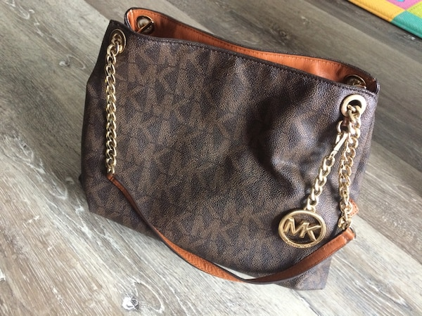 Michael kors purse 0