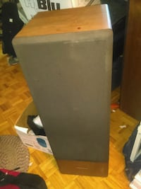 realistic speakers optimus-120's vintage. they are in great and sound  Brampton, L6W 1E3