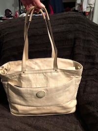 Large White Leather Coach diaper bag/ laptop/ travel/ Lots of space! Calgary, T3A 2T3