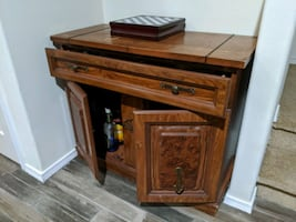 Cabinet Bar with Drawer