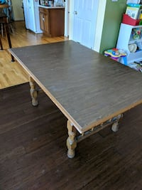 Dining room table and six chairs  465 km