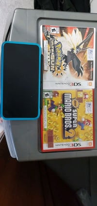 Nintendo 3DS XL with 2 games hardly used  Brampton, L6R 3M2