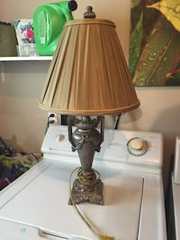 brown and white table lamp Dartmouth, B2W 5V5