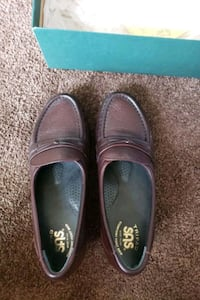 6 wide easier antique wine SAS loafers  Central Islip, 11722