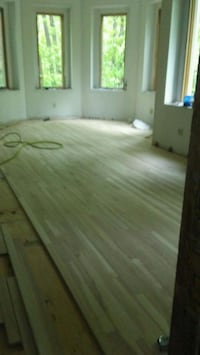 Hardwood floor sales and installation Middleburg Heights