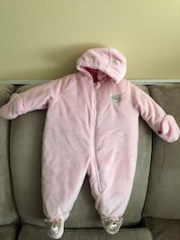 Carters pink baby coverall size 6-9 months  El Paso, 79904