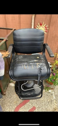 Black leather padded Barber Chair Louisville, 40258
